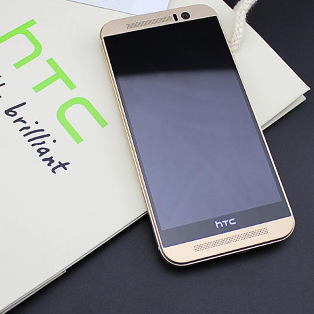 Các bước diễn ra quá trình thay IC Wifi HTC khá nghiêm túc.
