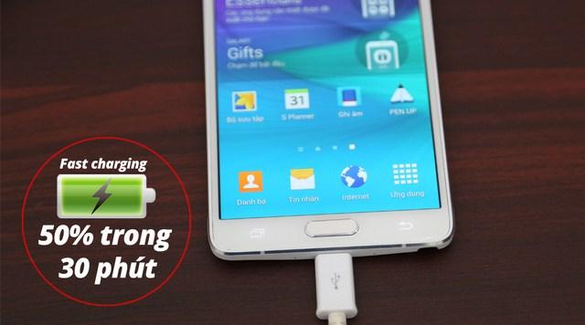 Samsung Note 4 được đánh giá là pin khủng, dung lượng cao