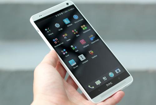 Thay màn hình HTC One Max khi màn hình bị lỗi