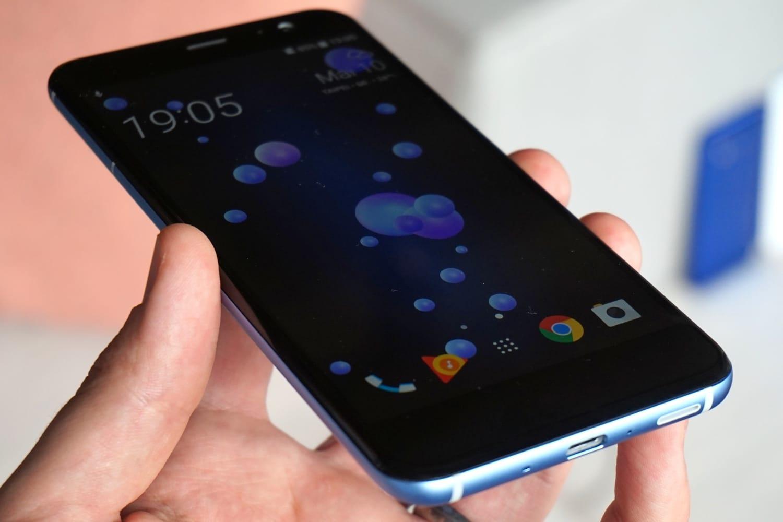 Thay màn hình HTC U11