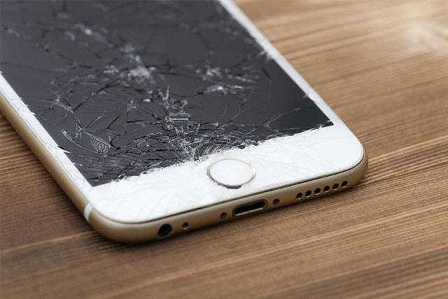 iPhone 6 vỡ kính cảm ứng vẫn bình thường thì chỉ cần thay mặt kính