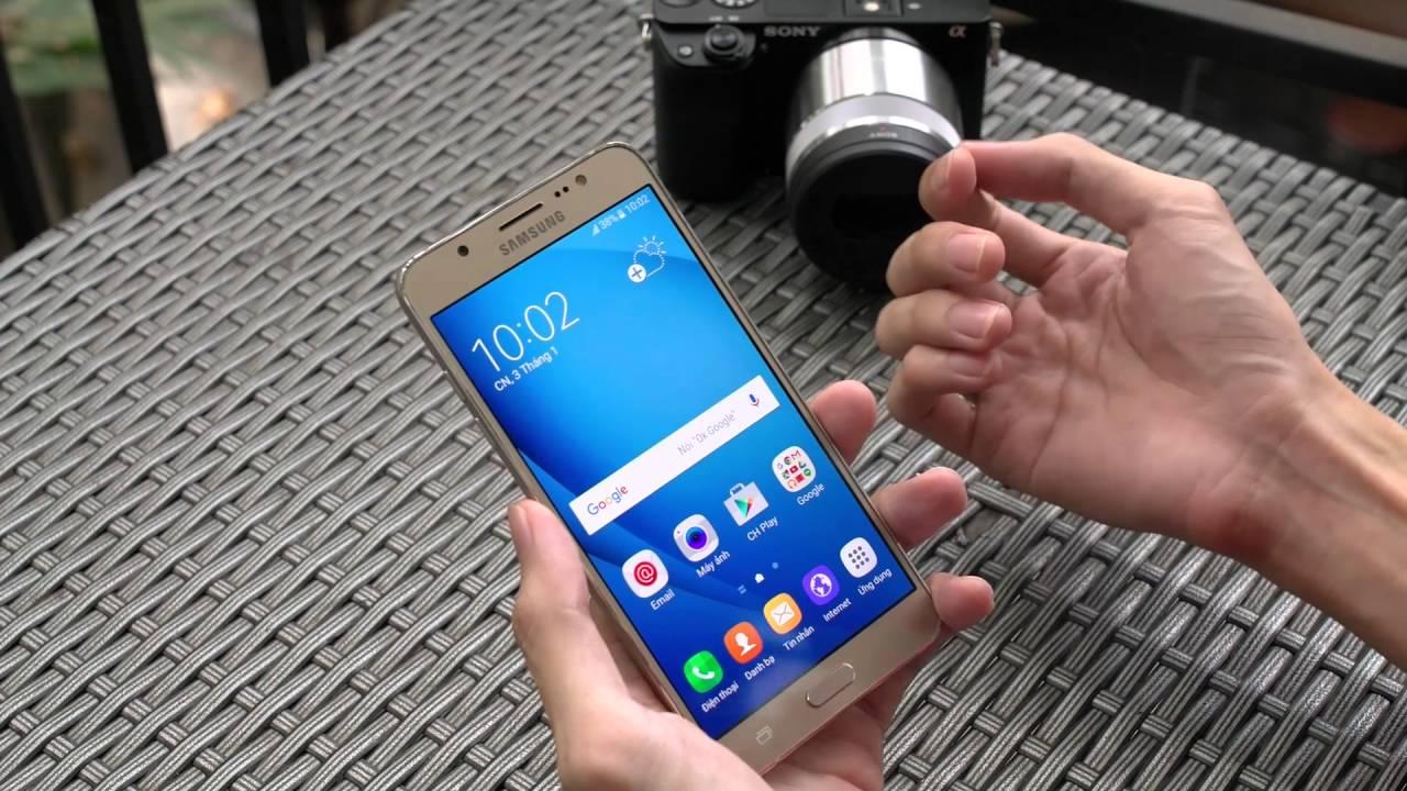 Trên tay điện thoai vừa mới thay màn hình Samsung J7 2016 chính hãng