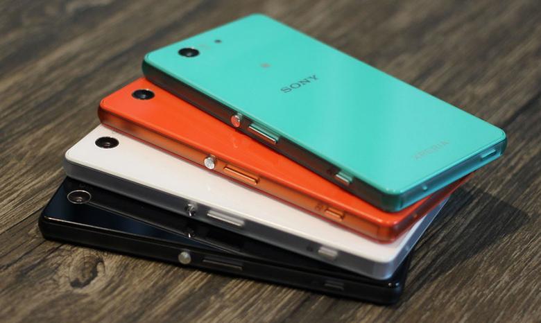 Thay kính nắp lưng Sony Z3 Mini, Z3 Compact: khi bị vỡ hoặc muốn đổi màu sắc