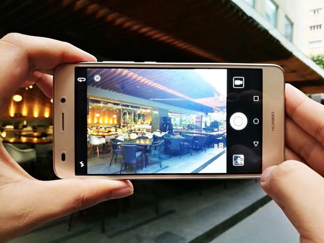 Nên thay kính Huawei GR5 Mini khi tìm được địa chỉ uy tín