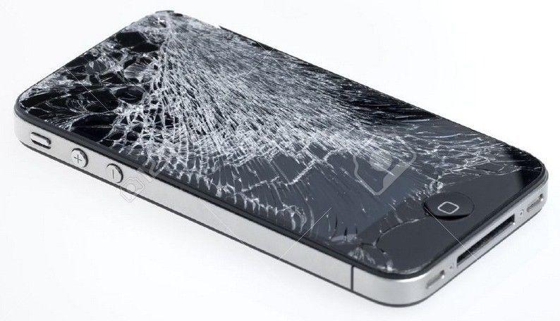 iPhone 4S rơi vỡ nát, chết đen màn hình