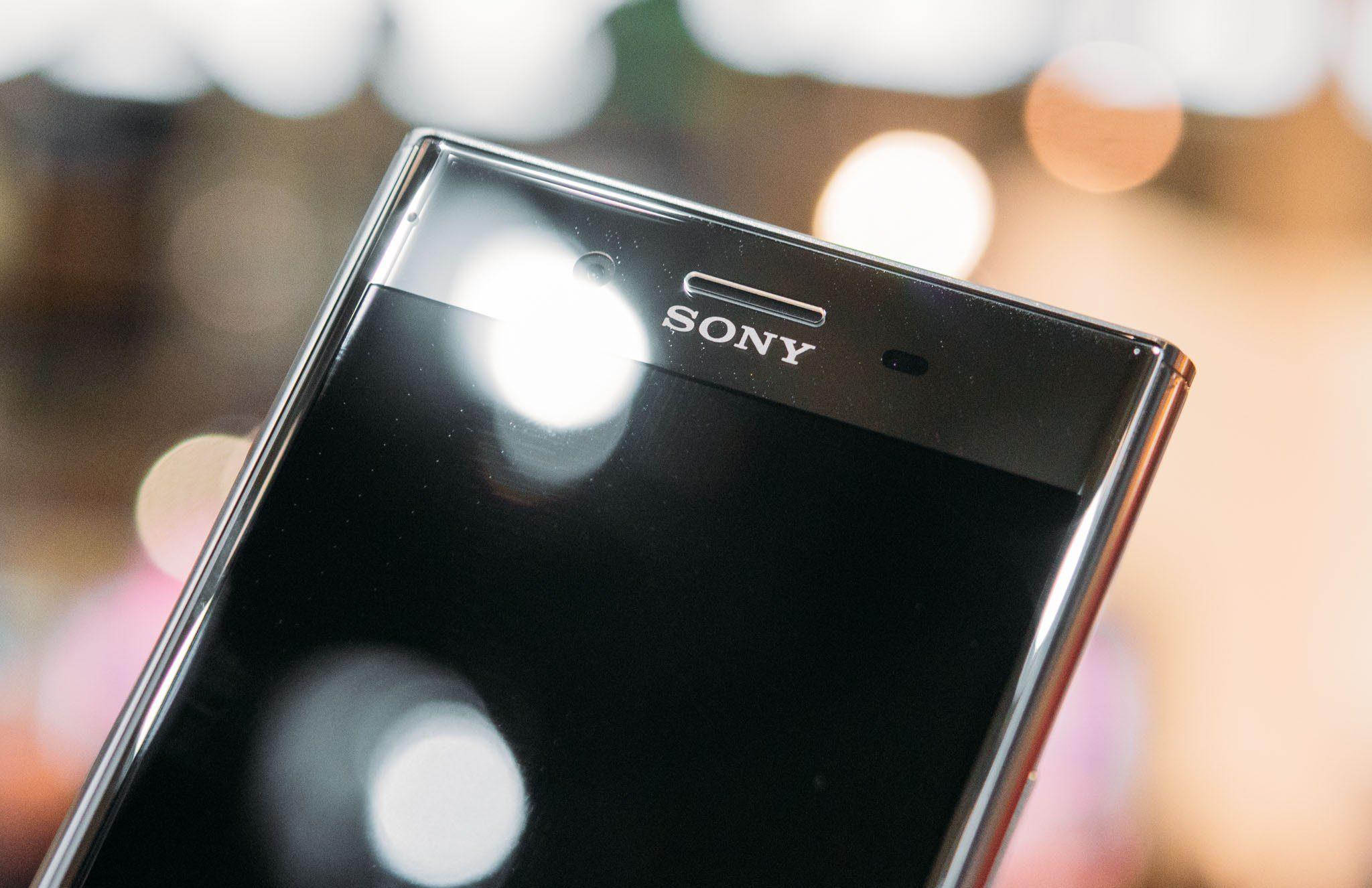 Màn hình điện thoại Sony bị mờ, tối hơn bình thường dù tùy chỉnh cùng mức độ