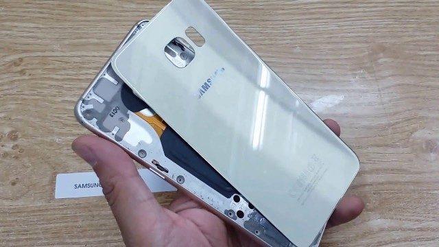 Thay nắp lưng Samsung S6 Edge Plus lấy ngay tại CareMobile