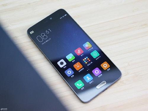 Tùy từng trường hợp chỉ cần thay mặt kính hoặc cả bộ màn hình Xiaomi MI 5S