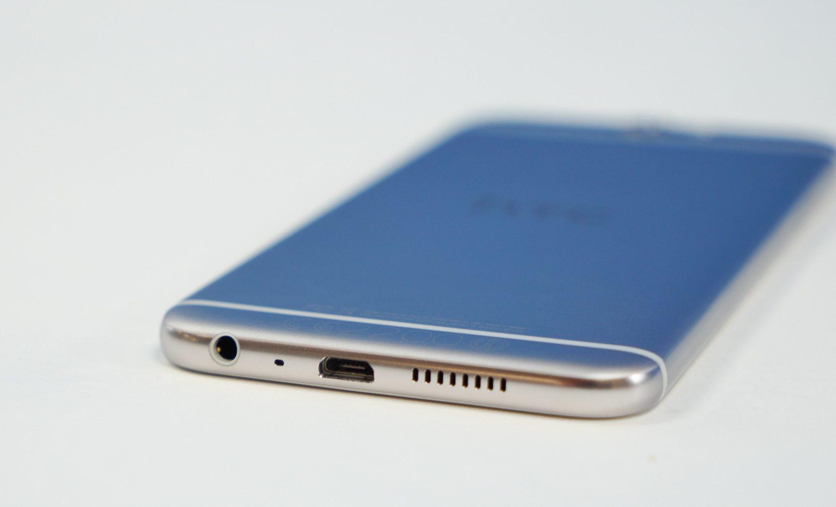 Thay chân sạc HTC A9: Chân sạc Zin đét.