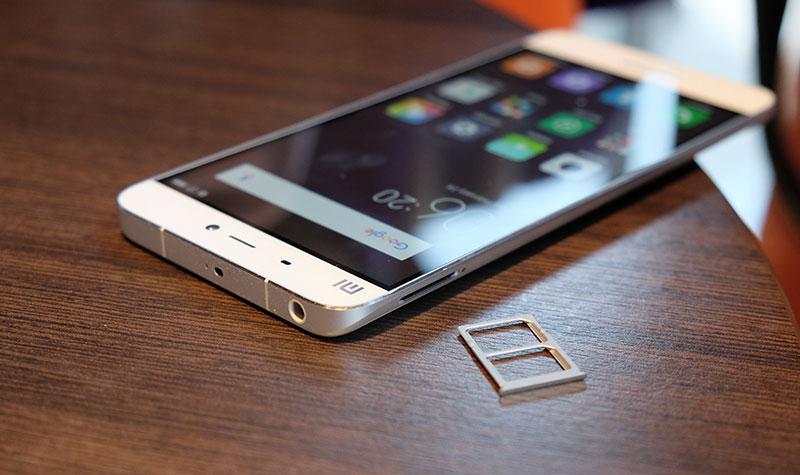 Xiaomi Mi 5 lỗi mic không thể nghe gọi được.