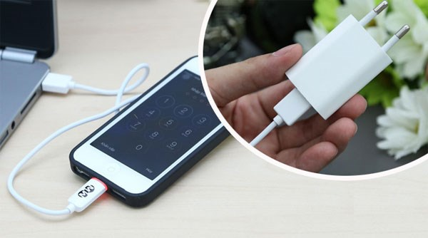 Sử dụng bộ sạc chính hãng  để không lỗi IC sạc iPhone 5