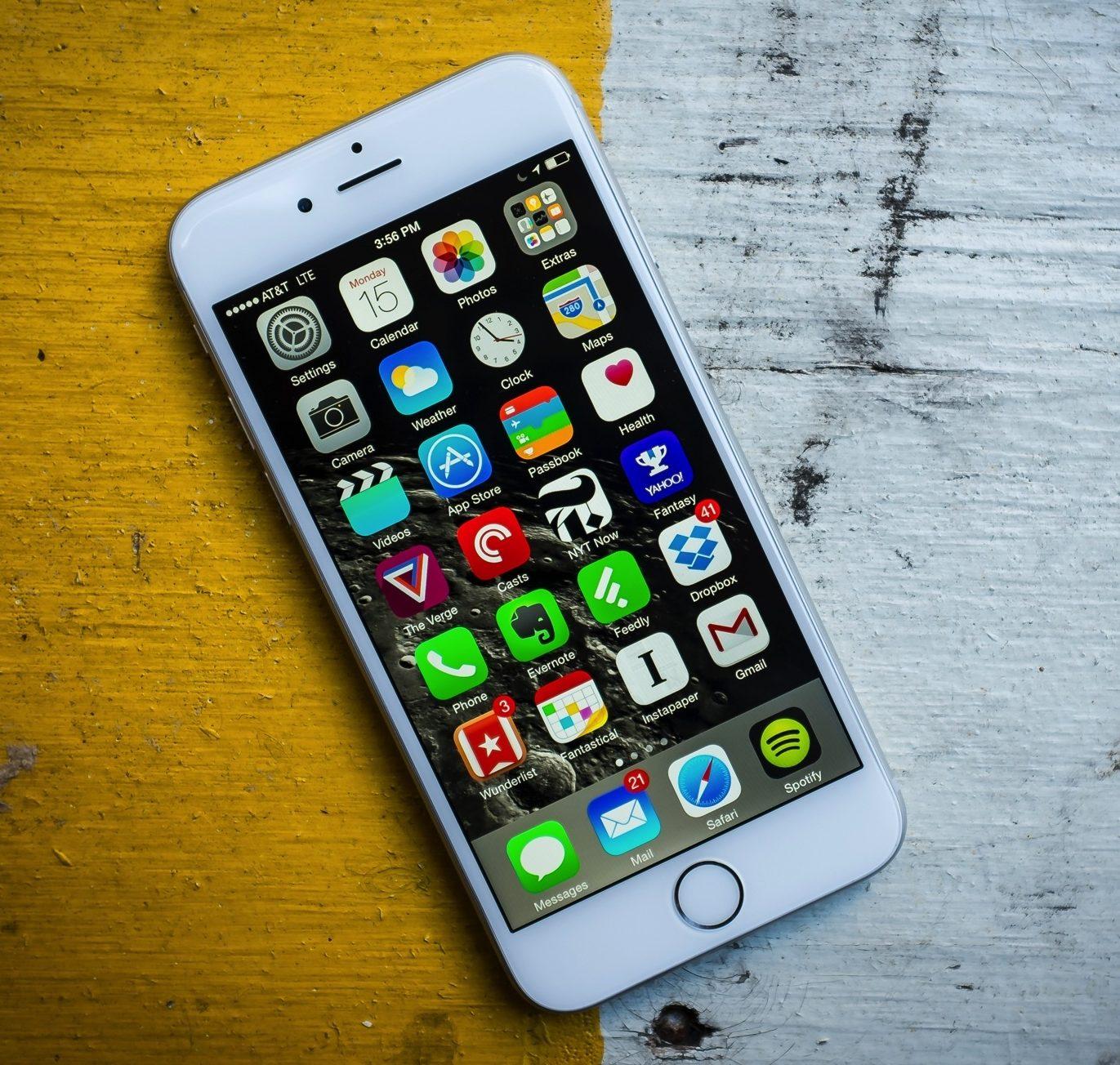 Sau khi thay màn hình iPhone 6S mới: Máy trở nên đẹp Zin như ban đầu