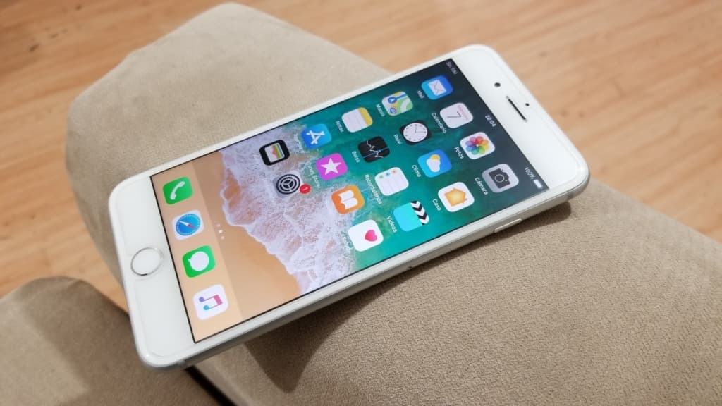 Thay IC sạc iPhone 8 chờ lấy luôn tại Caremobile