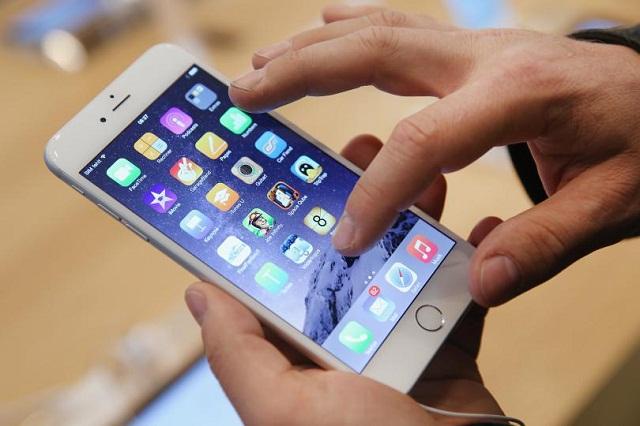 Sau khi thay màn hình iPhone 8 mới sẽ không còn hiện tượng lỗi cảm ứng hoặc sọc kẻ màn hình.