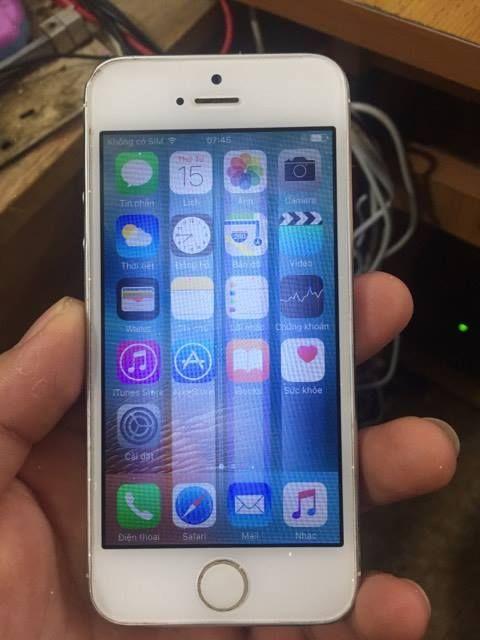 Trường hợp iPhone 5 sọc màn hình cảm ứng nhảy linh tinh và cần thay màn hình iPhone 5 mới