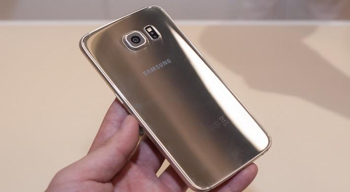 Pin Samsung S6 bị phồng gây kênh nắp lưng