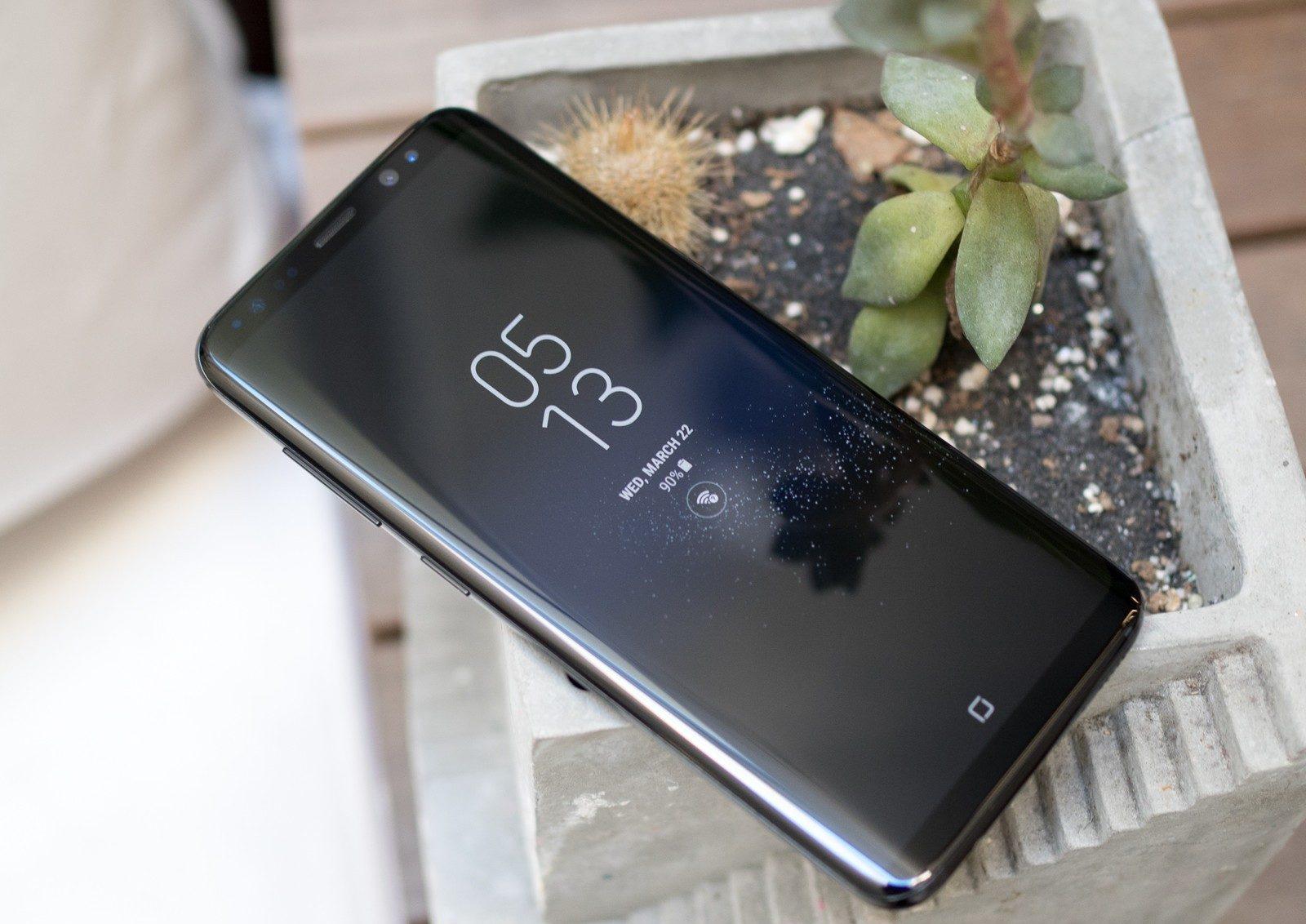 Thay mic Samsung S8 trong 1 tiếng