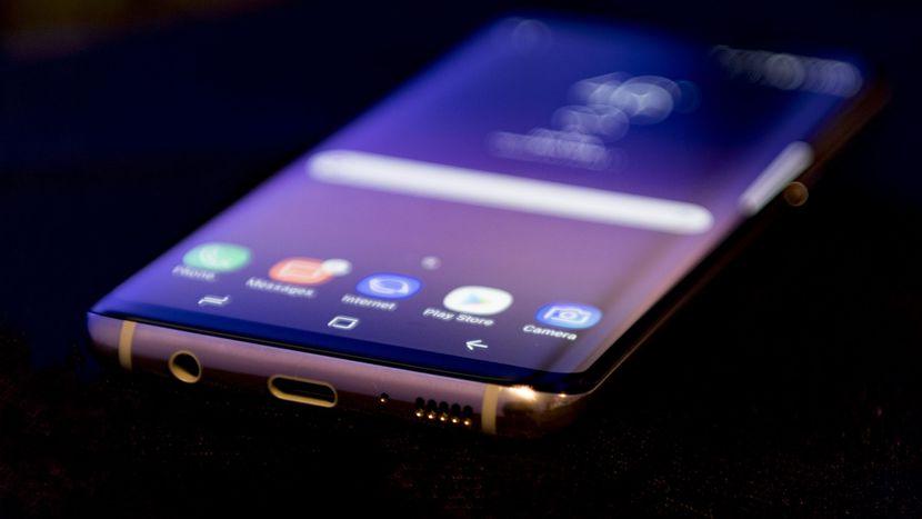 Thay loa Samsung S8 giá rẻ tại Hà Nội