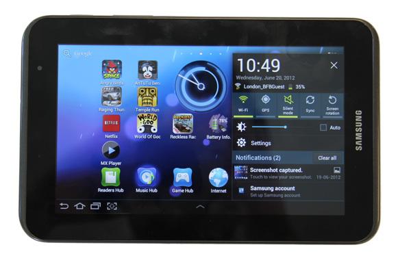 Tại Caremobile, khách hàng xem trực tiếp sửa Samsung Tab 2, 3, 4 mất nguồn.