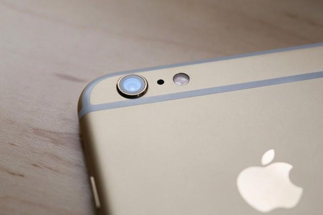 Giá thay kính camera iPhone 6, 6s, 6 Plus, 6S PLus có giá 150.000đ tại Caremobile.
