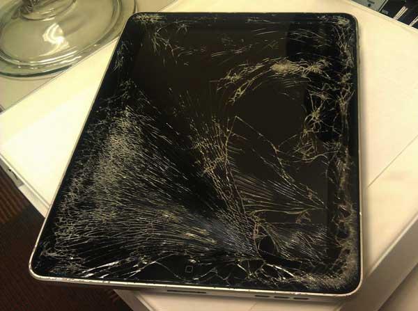 iPad Mini 2 bị vỡ mặt kính cảm ứng