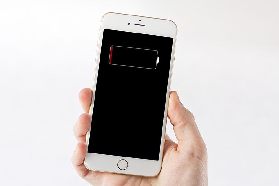 Lỗi nguồn cũng có thể do pin iPhone, khách hàng cần kiểm tra kỹ càng.