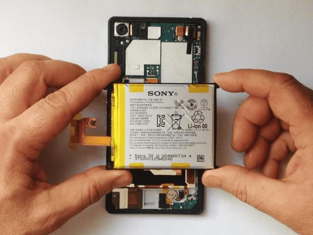 Tuy là không quá khó, nhưng thay pin Sony Z4, Z5, Z6 vẫn phải đòi hỏi kỹ thuật