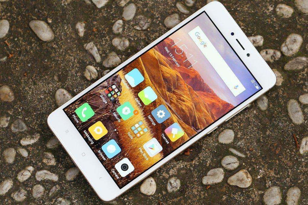 Bạn không nên tự mò mẫm tháo máy sửa wifi Xiaomi Redmi Note 4 tránh hư hỏng nặng thêm.