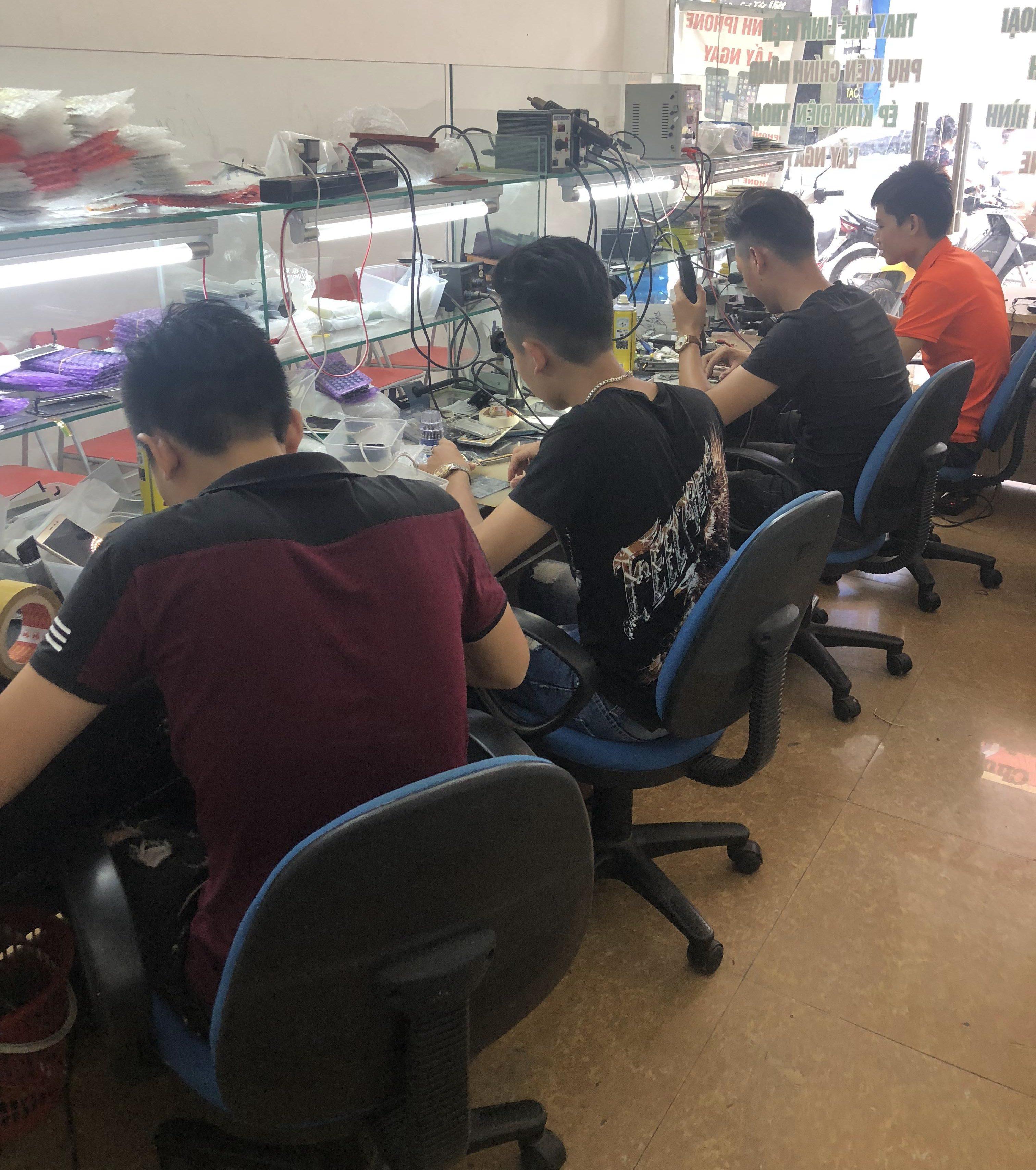 Đội ngũ kỹ thuật lành nghề giúp thay mặt kính Lenovo k910 đảm bảo nhất