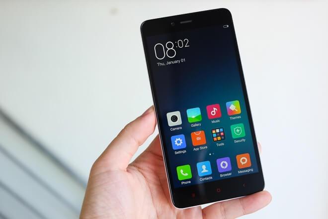 Cần thay mặt kính Xiaomi Redmi Note khi kính bị vỡ, xước nhiều, ám vàng