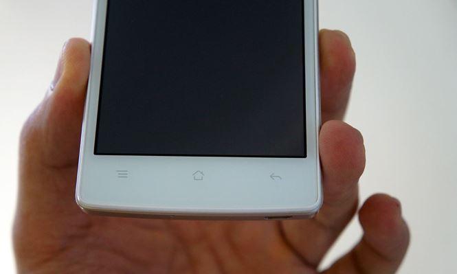 Caremobile mới nhận trường hợp Oppo Neo 5 chết đen màn hình