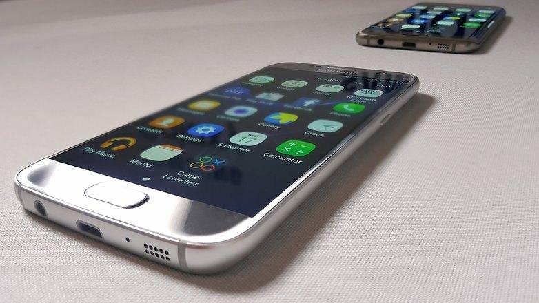 Thay màn hình Samsung S7 khi bị lỗi bị sọc hoặc bị chết đen màn hình
