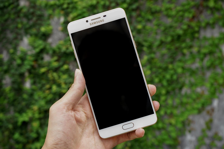 Samsung C9 Pro chết màn hình & không còn sử dụng được máy
