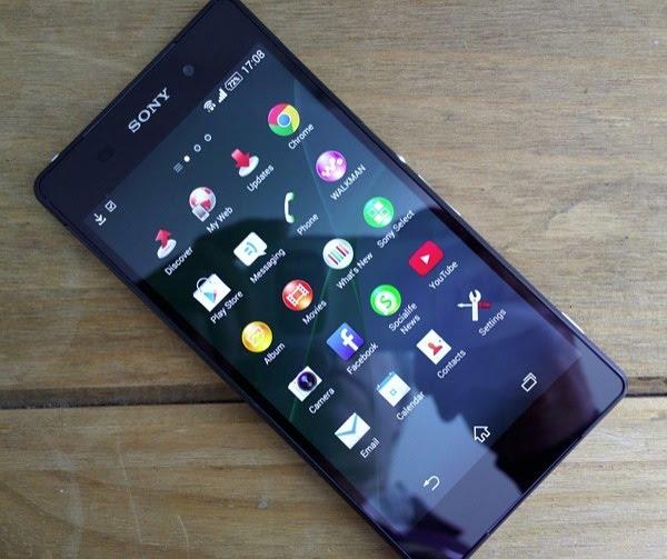 Caremobile tiến hành khắc phục Sony Z2 mất đèn màn hình nhanh chóng, giá rẻ.