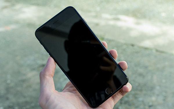 iPhone 6 Plus lỗi chân sạc hết kiệt pin