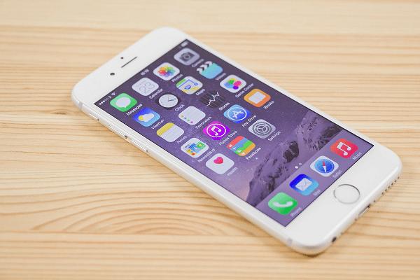 Điện thoại iPhone 6s Plus: Vỡ màn hình thì không sử dụng được gì nữa