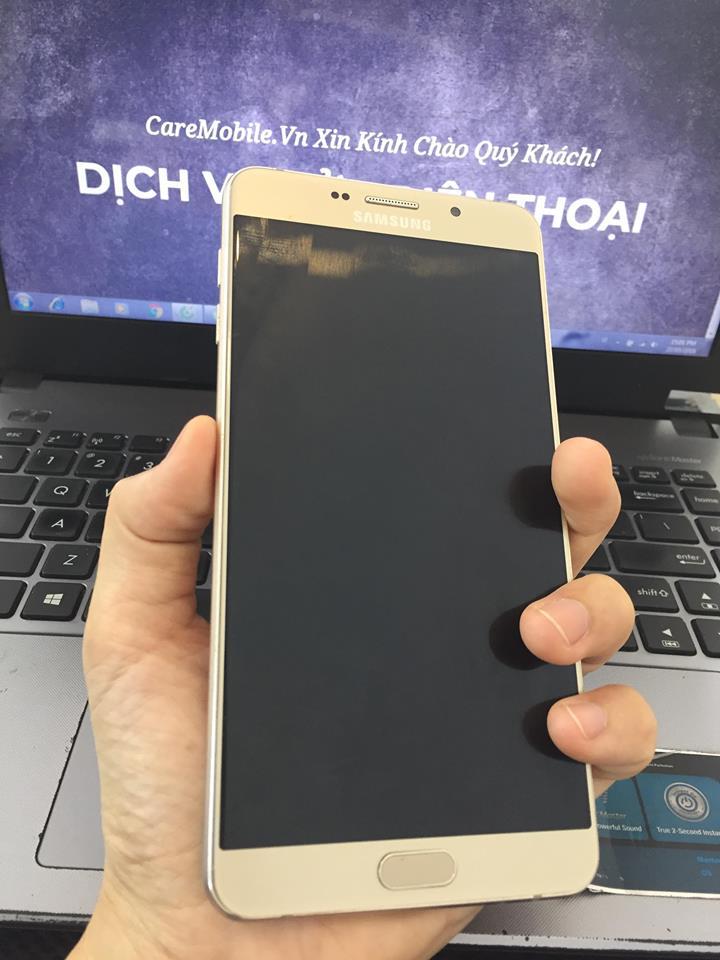 Samsung A9 Pro bị va đập vỡ màn hình trong