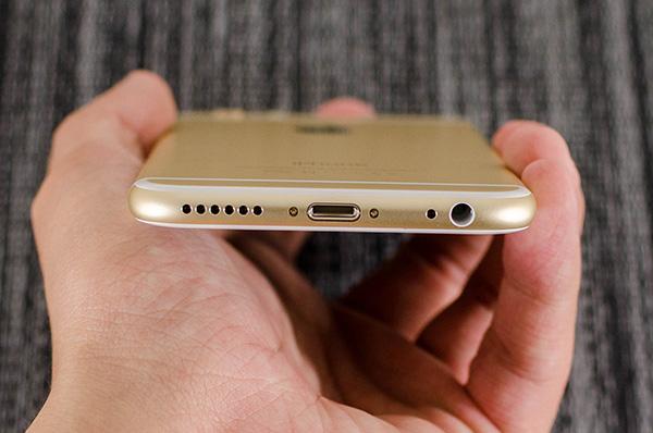 iPhone 6 Plus 6S Plus sạc không báo gì: Bạn không thể làm gì nếu không cung cấp năng lượng cho máy