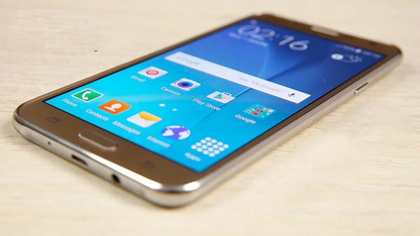 Biểu hiện giúp nhận biết phải thay màn hình Samsung J7