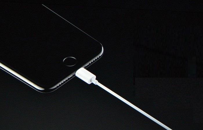 Dịch vụ thay, sửa chân sạc iPhone 7 Plus tại trung tâm CareMobile