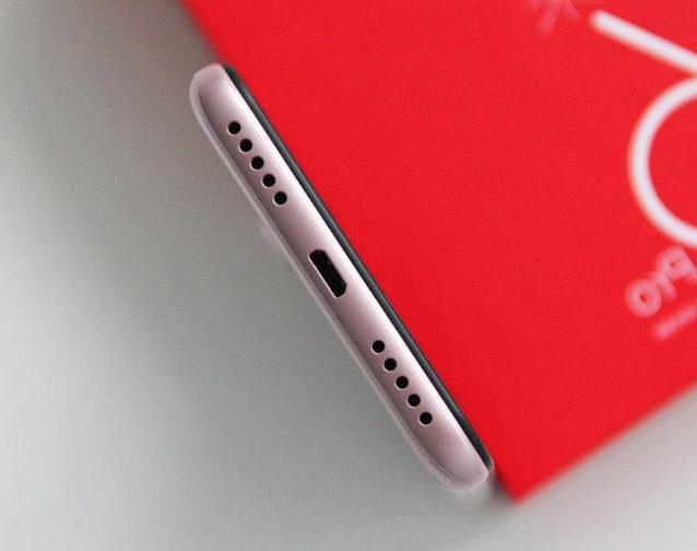 Bộ phận chân sạc Xiaomi khá quan trọng khi cung cấp năng lượng cho máy