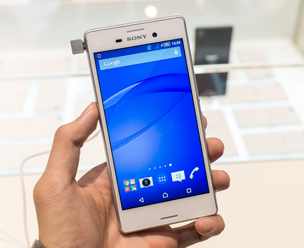 Công tác thay màn hình Sony Xperia Z4 khá chuyên nghiệp