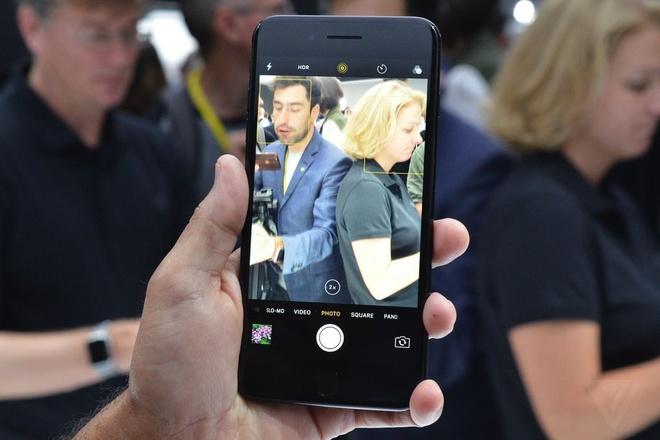 Vì sao nên thay camera trước iPhone 7, 7 Plus tại trung tâm Caremobile