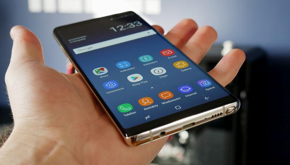 Khi Samsung Note 8 mất nguồn thì bạn hoàn toàn không hề sử dụng được máy.