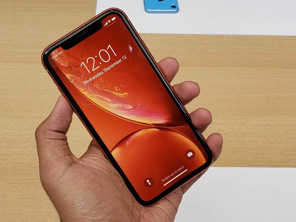 Thay mic iPhone XR chính hãng tại CareMobile