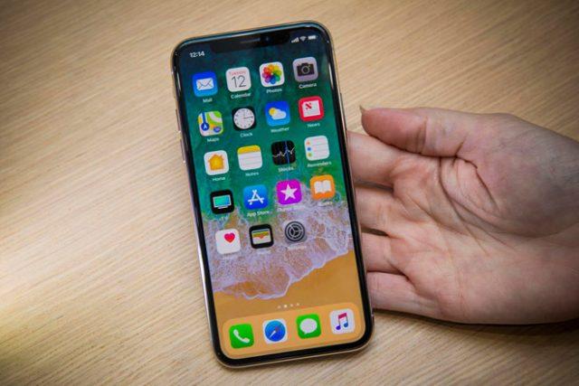 Thay pin iPhone XS nhanh chóng, chuyên nghiệp tại CareMobile