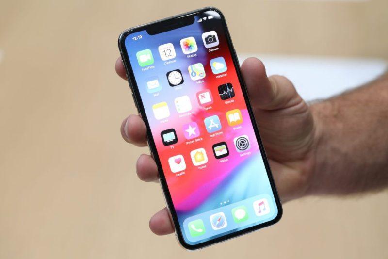 Mic iPhone XS bị lỗi làm gián đoạn quá trình sử dụng