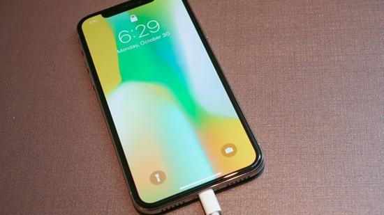 Dịch vụ thay pin iPhone XS Max uy tín, chính hãng tại CareMobile
