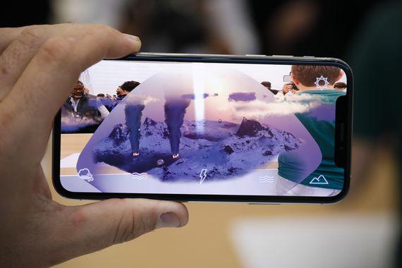iPhone XS Max hoạt động mượt mà sau khi thay chân sạc tại CareMobile