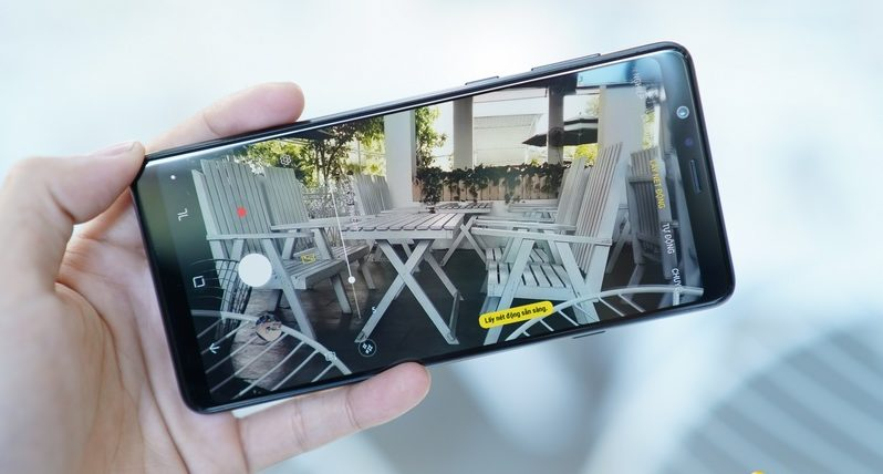 Pin chính hãng, dung lượng pin cao: Thay pin Samsung A8 Star mang lại trải nghiệm khá ổn cho người dùng
